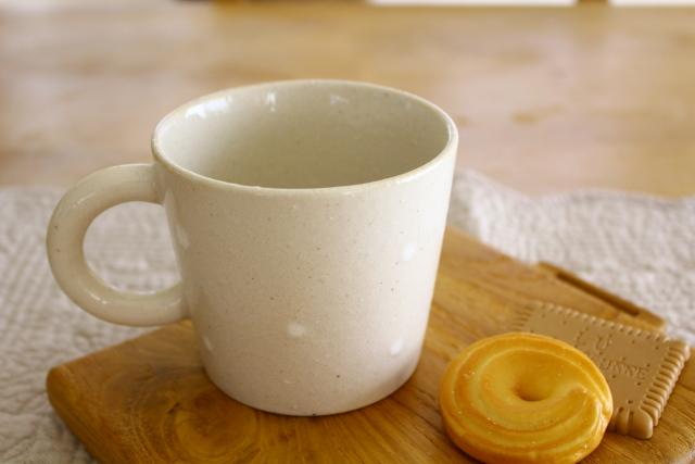 陶器ドットマグカップ